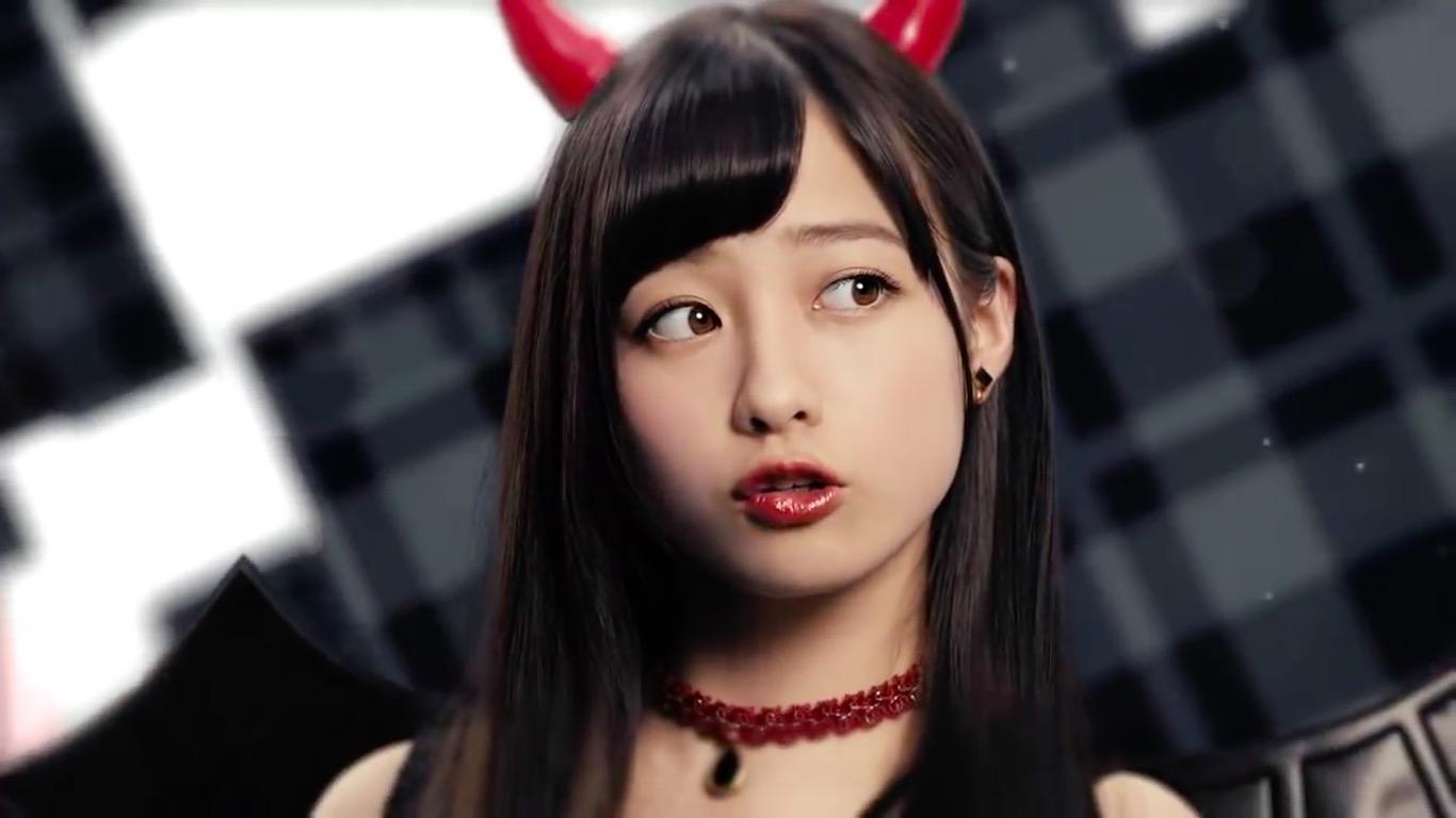 kannahashimoto-lipbabycrayon-cm-111.jpg